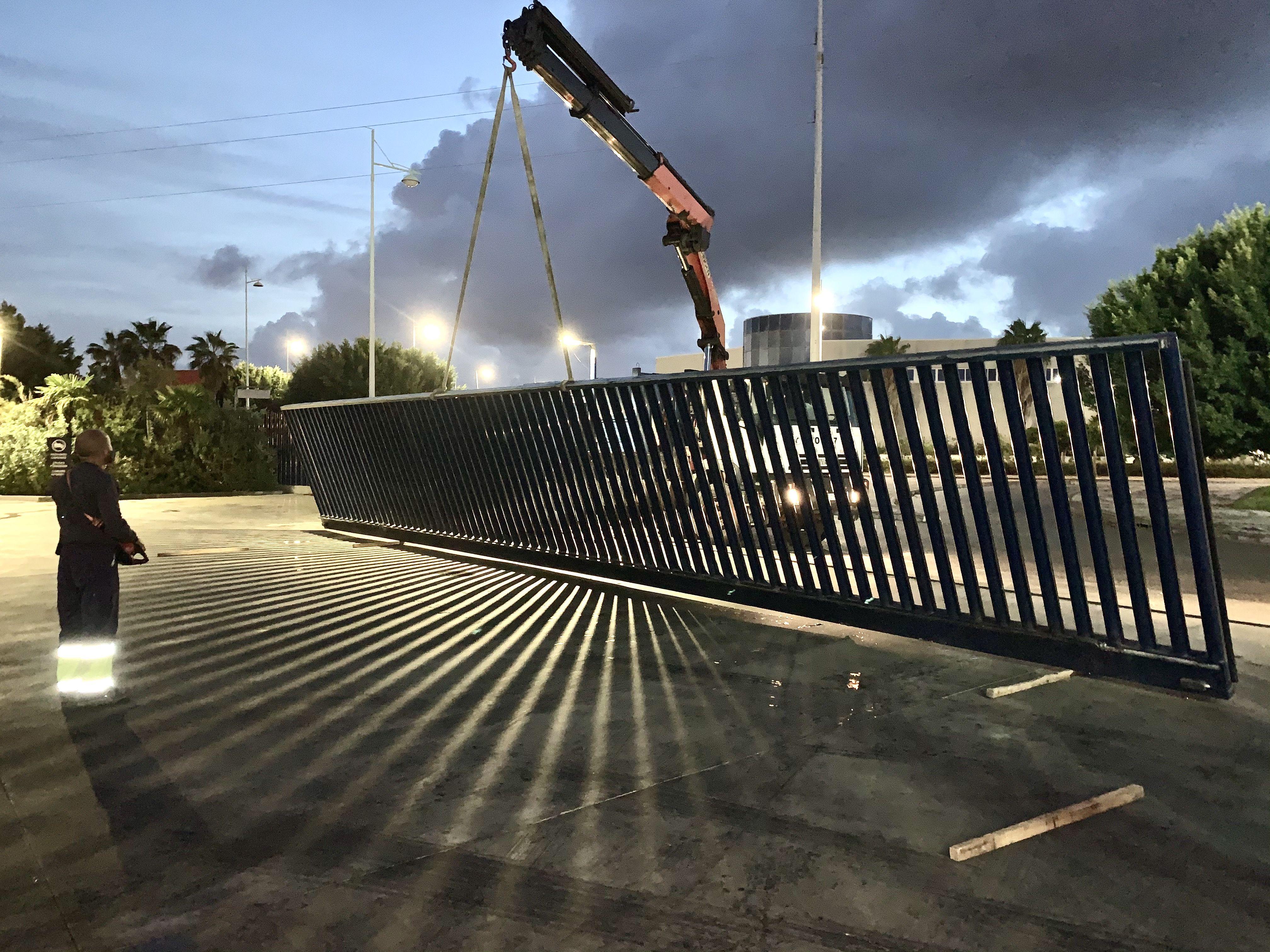 Foto 7 de Carpintería metálica y especialistas en acero inoxidable en    Cerrajería Inox Las Salinas