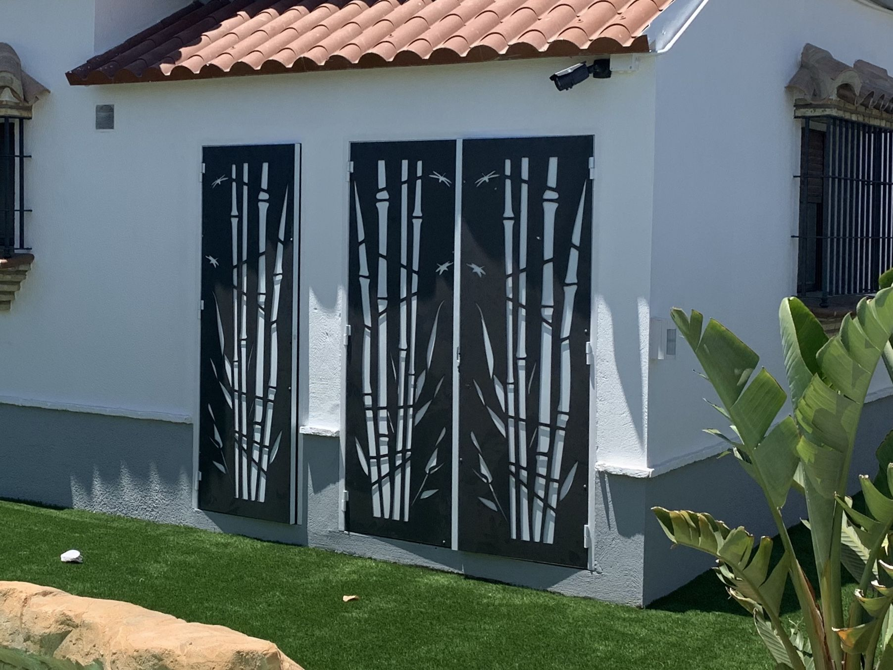 Acceso a vivienda decorativo