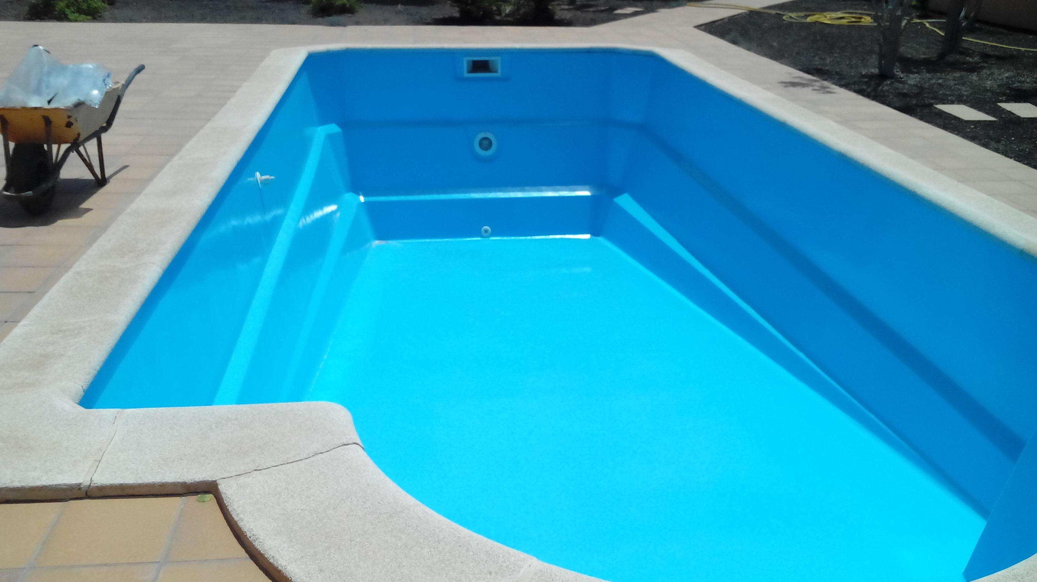 Reparación de una piscina de poliester