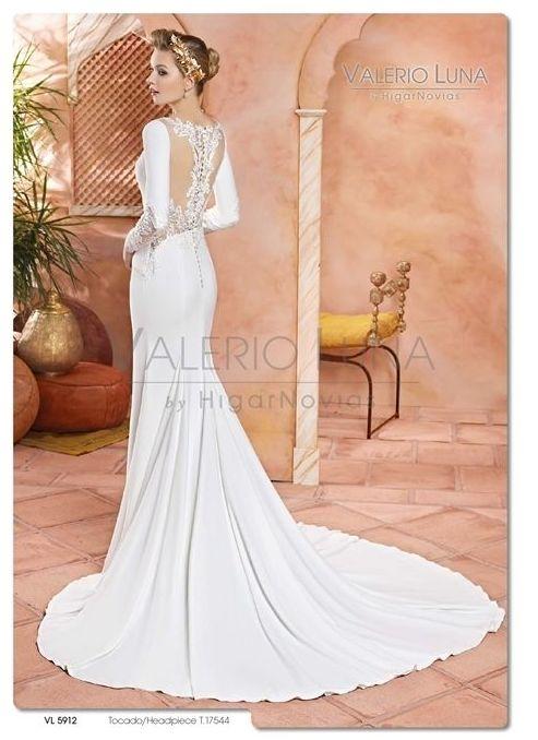 Foto 18 de Vestidos de novia y madrina en Tomelloso, Ciudad Real en Tomelloso | Caprichos