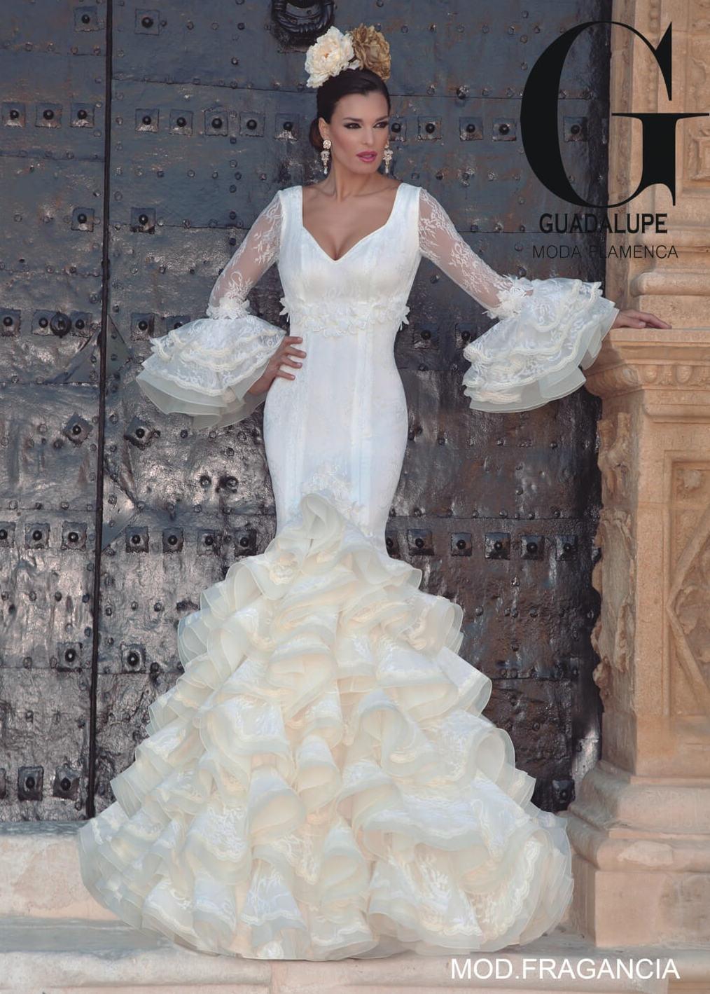 Foto 58 de Vestidos de novia y madrina en Tomelloso, Ciudad Real en Tomelloso | Caprichos