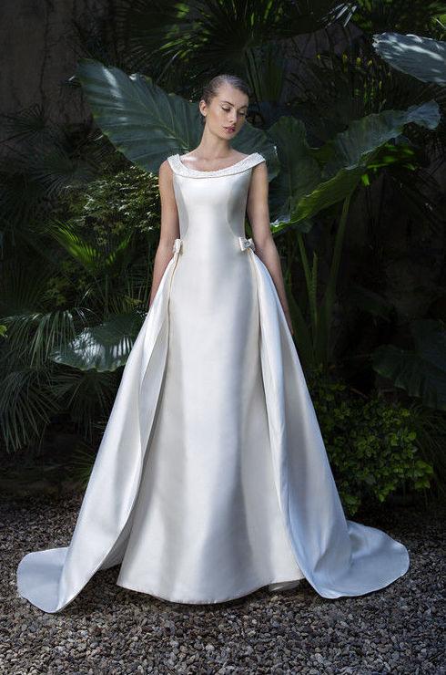 Foto 32 de Vestidos de novia y madrina en Tomelloso, Ciudad Real en Tomelloso   Caprichos