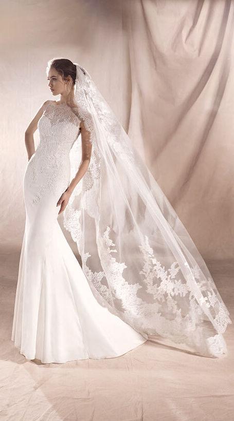 Foto 17 de Vestidos de novia y madrina en Tomelloso, Ciudad Real en Tomelloso | Caprichos