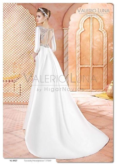 Foto 22 de Vestidos de novia y madrina en Tomelloso, Ciudad Real en Tomelloso | Caprichos