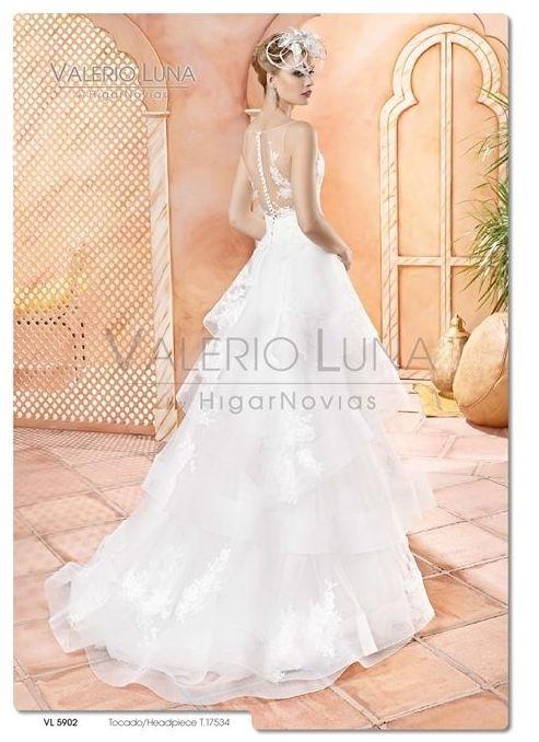 Foto 24 de Vestidos de novia y madrina en Tomelloso, Ciudad Real en Tomelloso | Caprichos