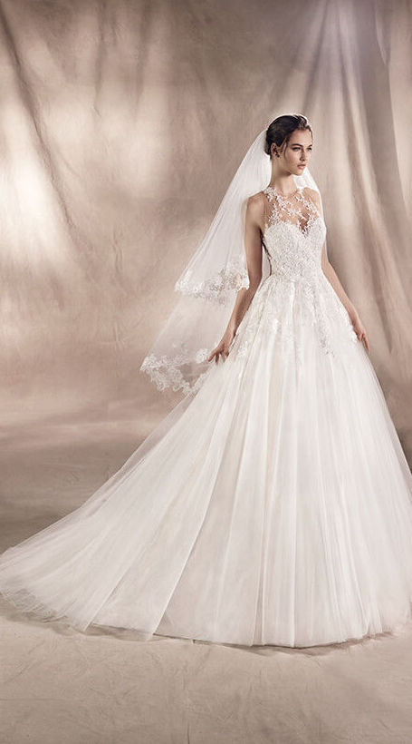 Foto 11 de Vestidos de novia y madrina en Tomelloso, Ciudad Real en Tomelloso   Caprichos