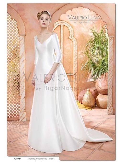 Foto 23 de Vestidos de novia y madrina en Tomelloso, Ciudad Real en Tomelloso | Caprichos