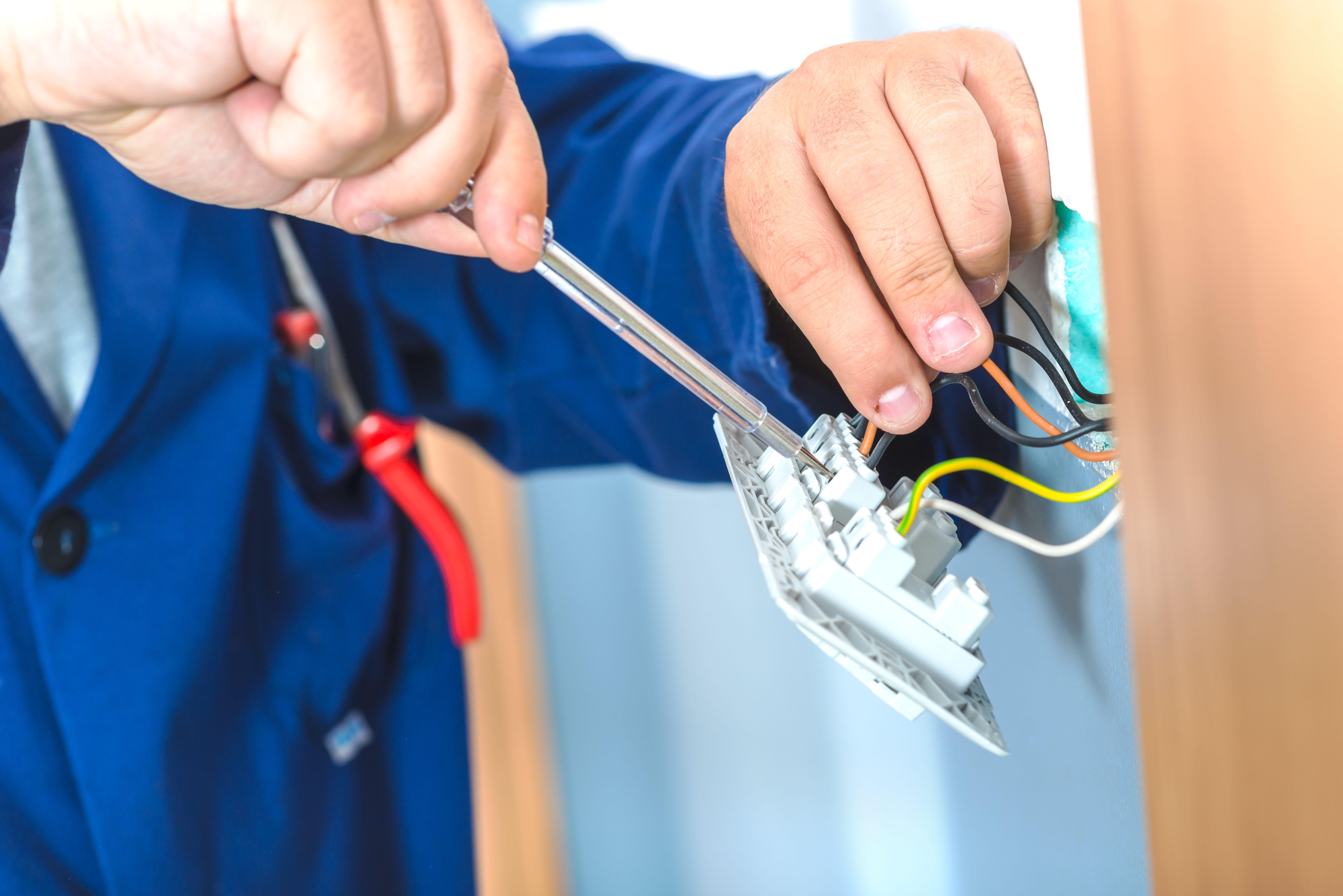 Electricista económico en Salamanca