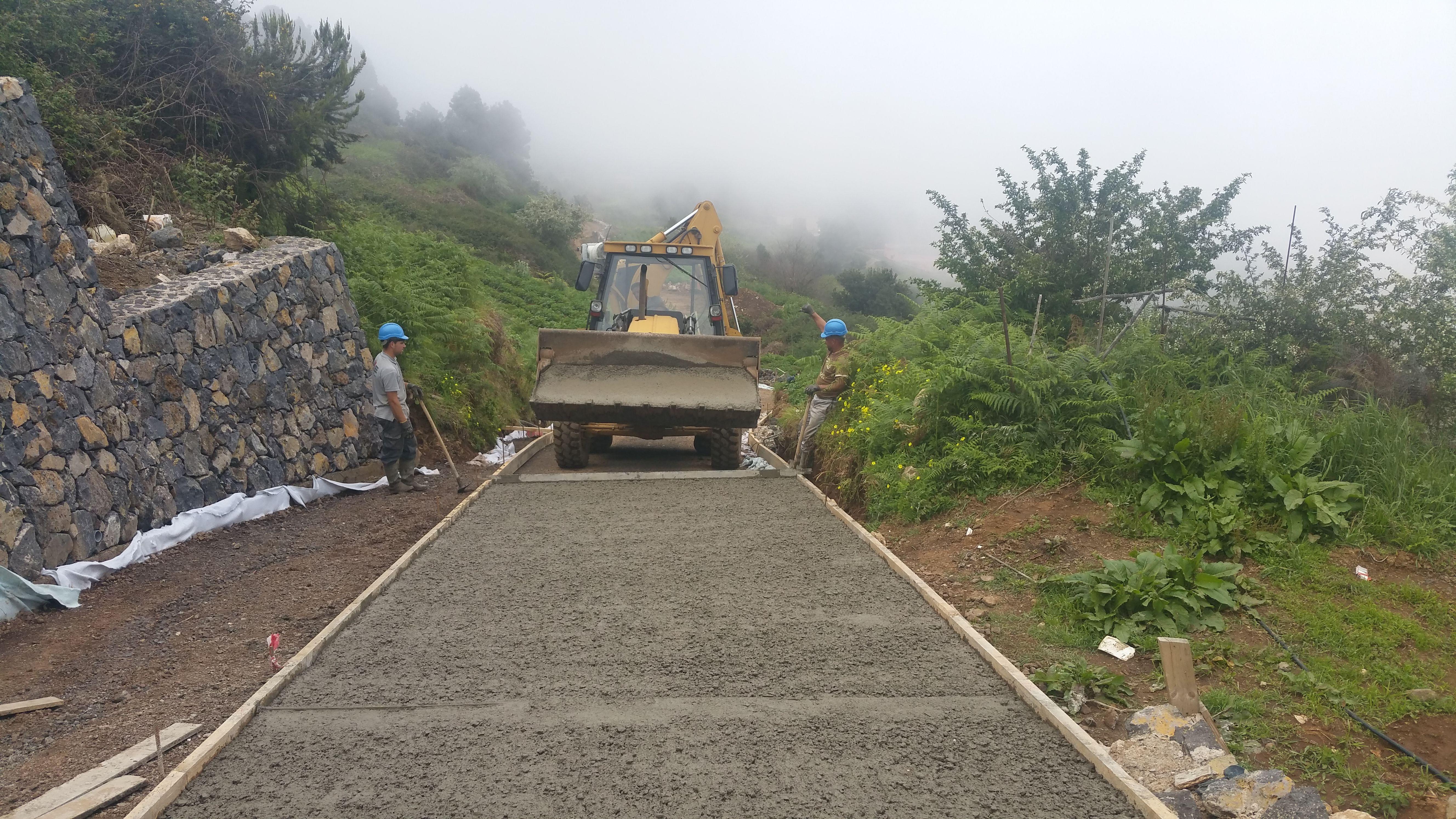 Caminos de hormigón: Servicios de JGE Obras Civiles y de Edificación