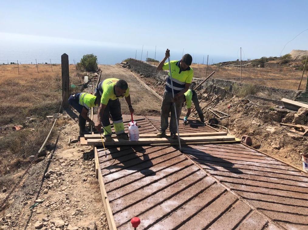 Creación de caminos de hormigón en Tenerife