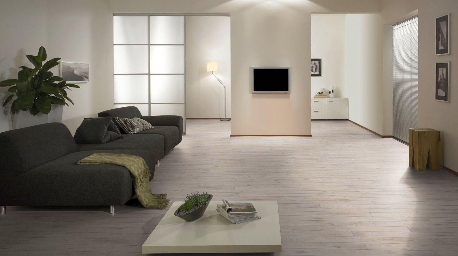 Parqué - Suelo Laminado. Serie M: Productos de Exposición y Tienda de Cerámica, Sanitarios, Baño, y Revestimientos para interiores