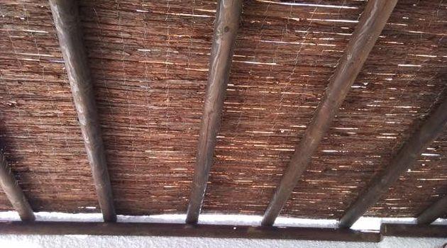 Cubierta de corteza de pino