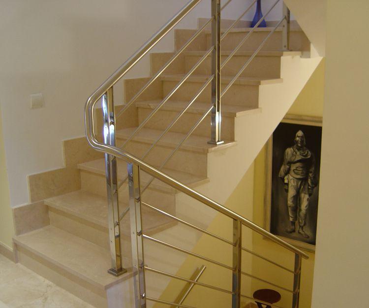 Escaleras para locales