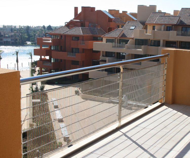 Barandilla de malla para terraza