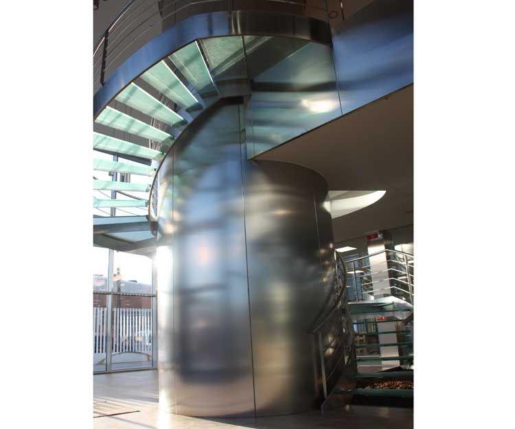 Escalera de caracol de acero inoxidable
