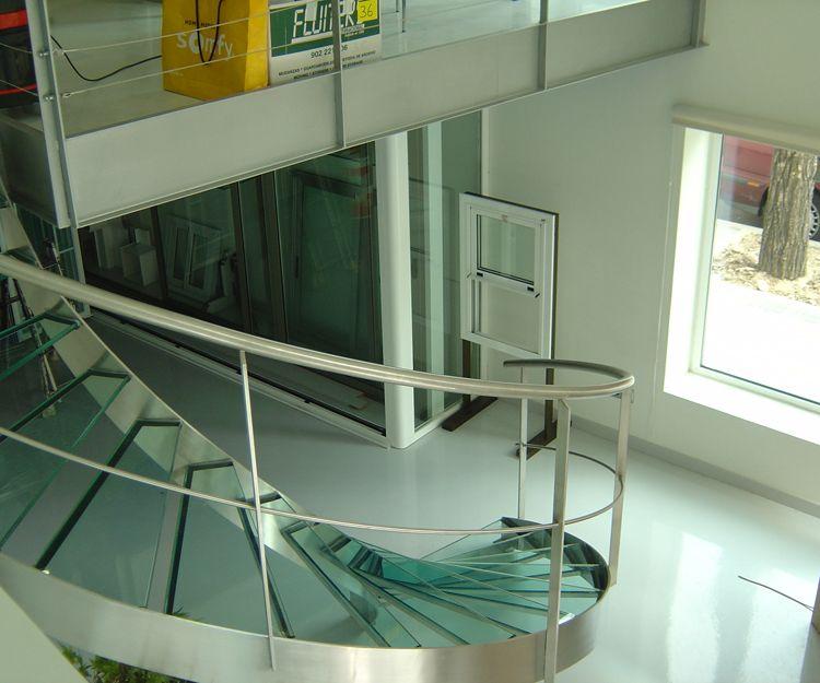 Escalera para organismo oficial de acero inoxidable