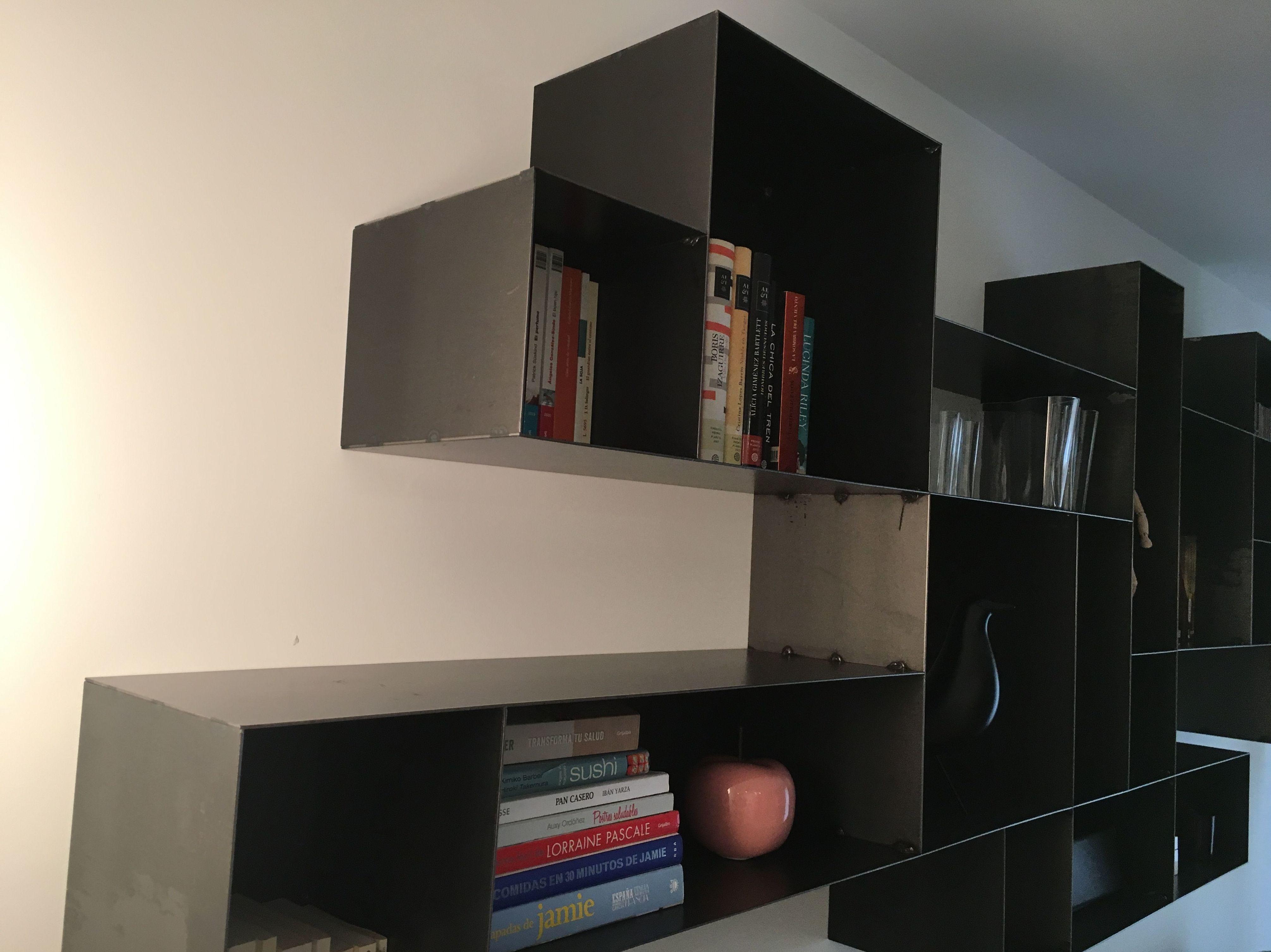 Libreria metálica en Madrid
