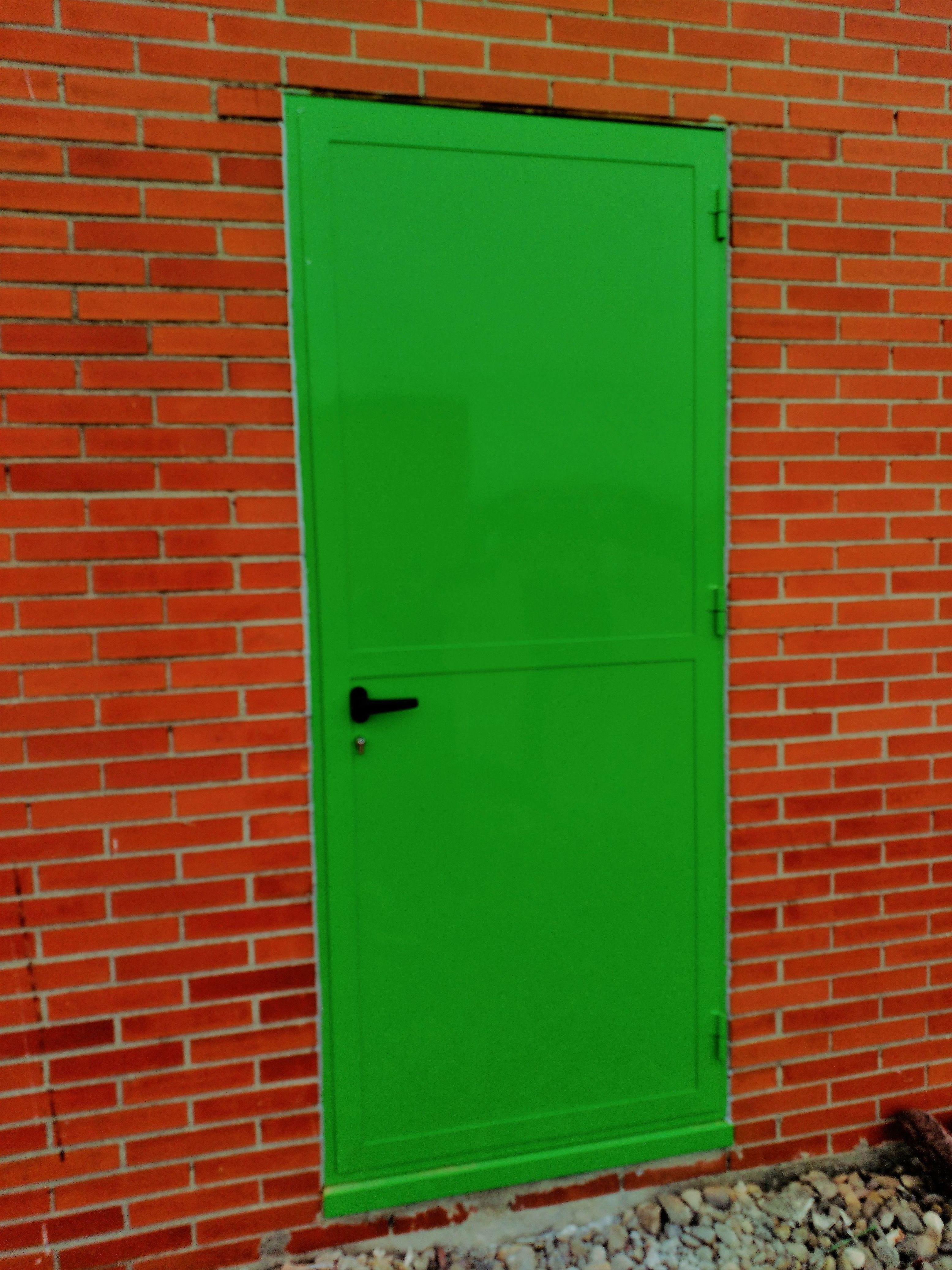 Puerta metálica en Madrid