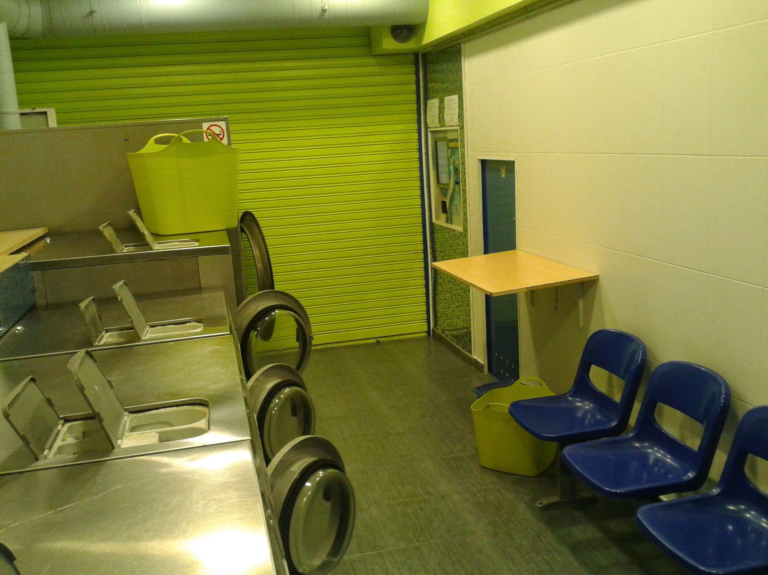 Foto 3 de Tintorerías y lavanderías en Barcelona | Bugaderia Wash'n Dry