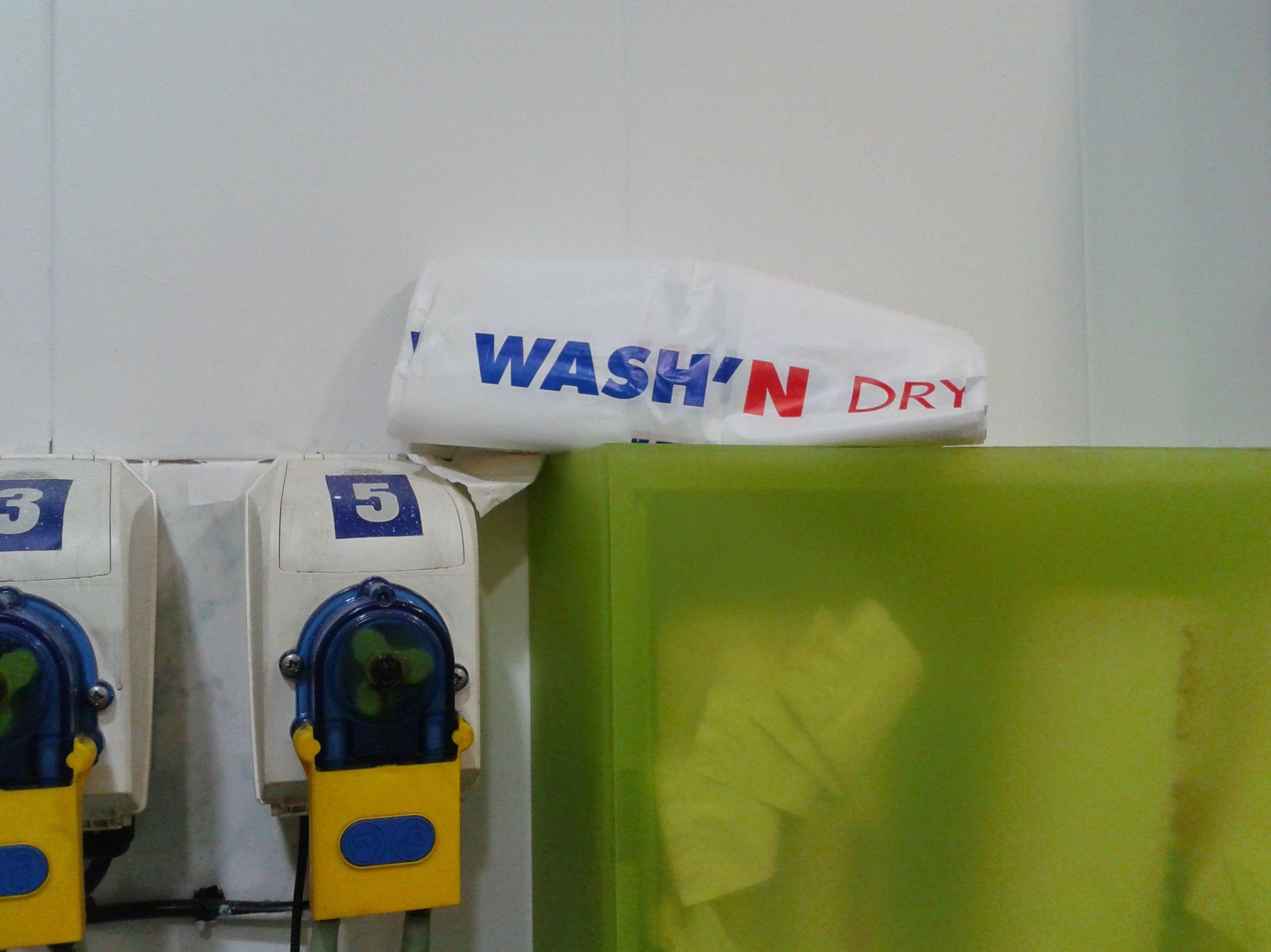 Foto 4 de Tintorerías y lavanderías en Barcelona | Bugaderia Wash'n Dry