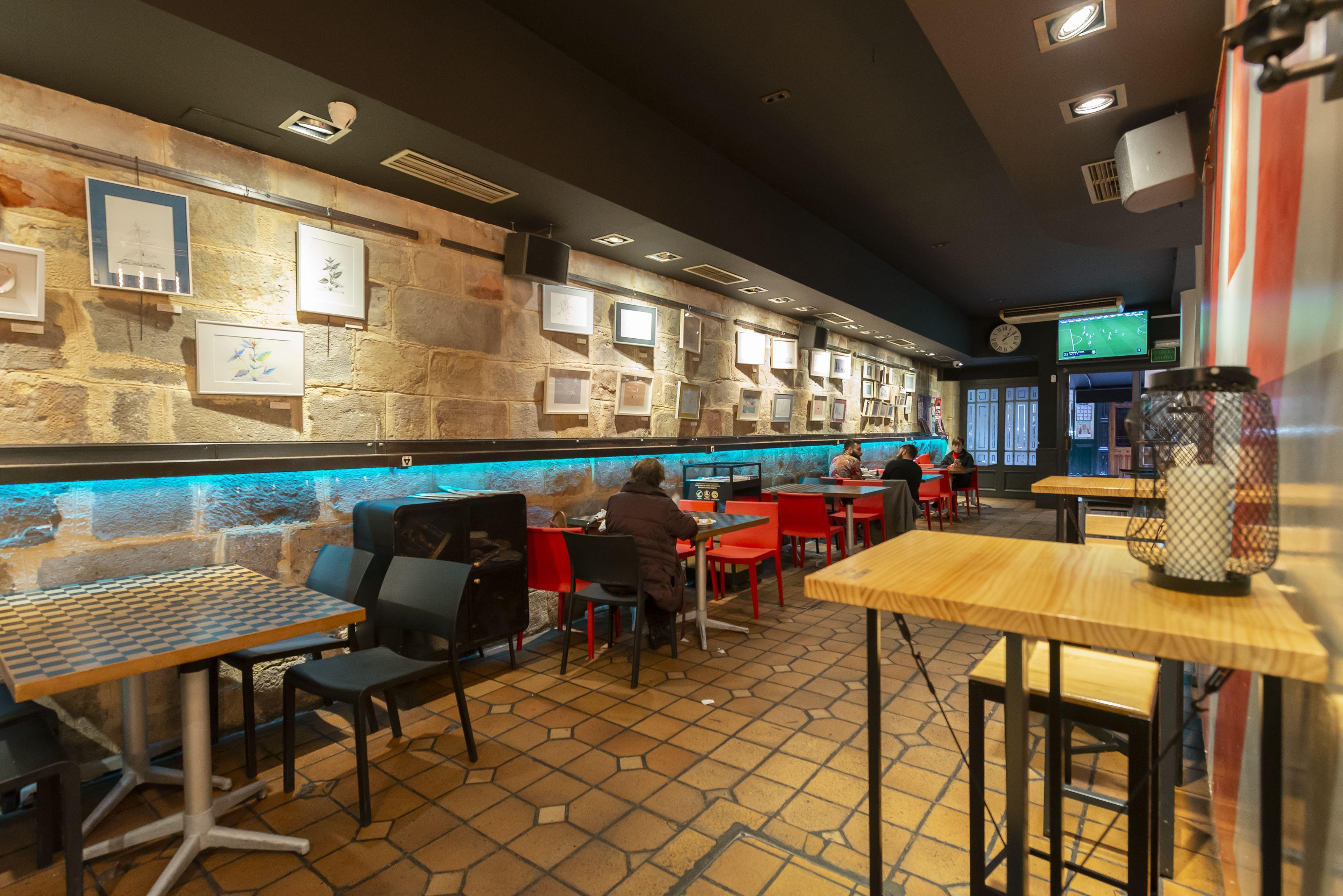 Interior Pub k2
