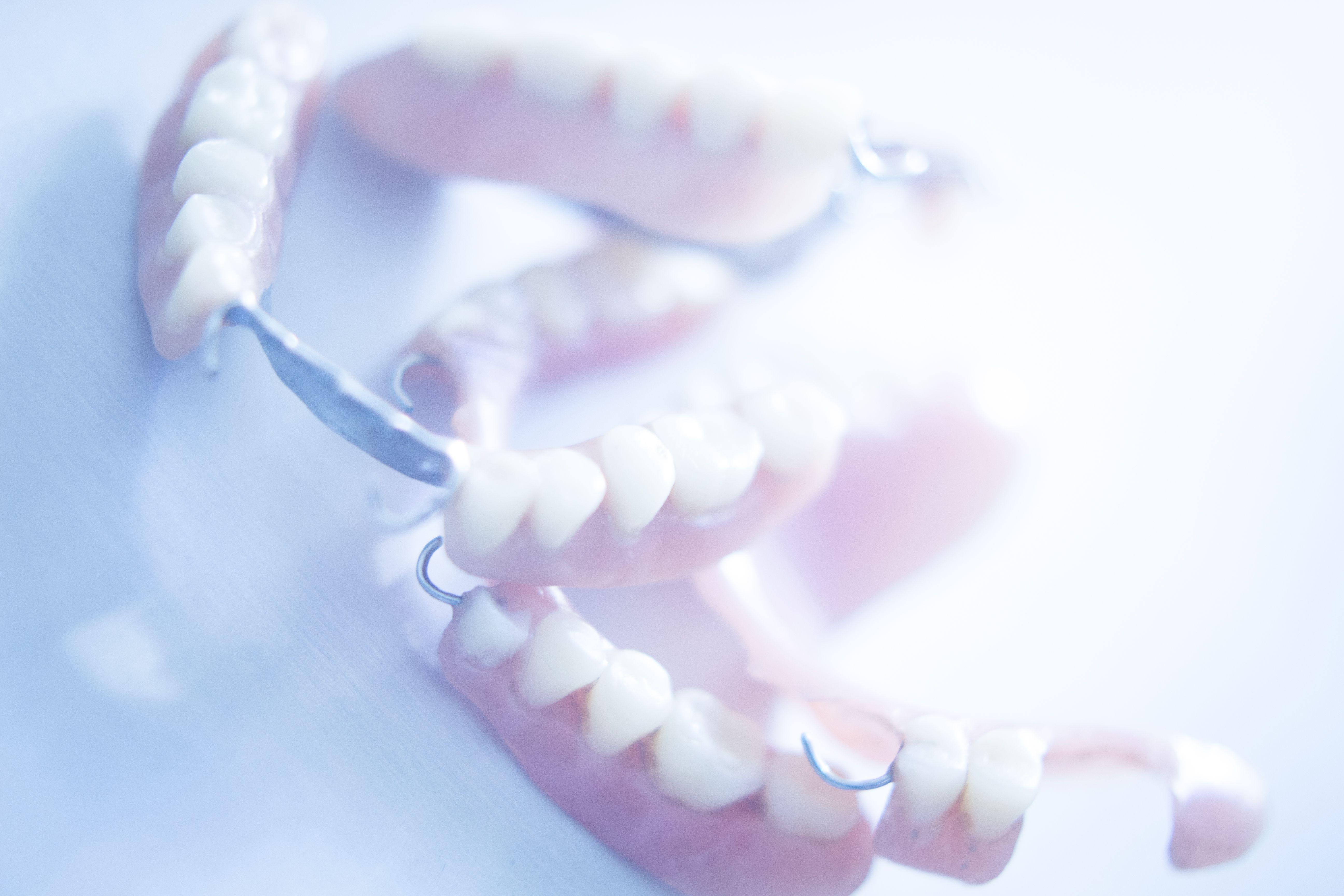 Prótesis dentales removibles: Especialidades de Clínica Dental Plaza 58 (Dr. Pedro Fernández Lorente)
