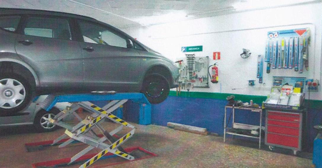 Taller de automóviles en Montcada i Reixac
