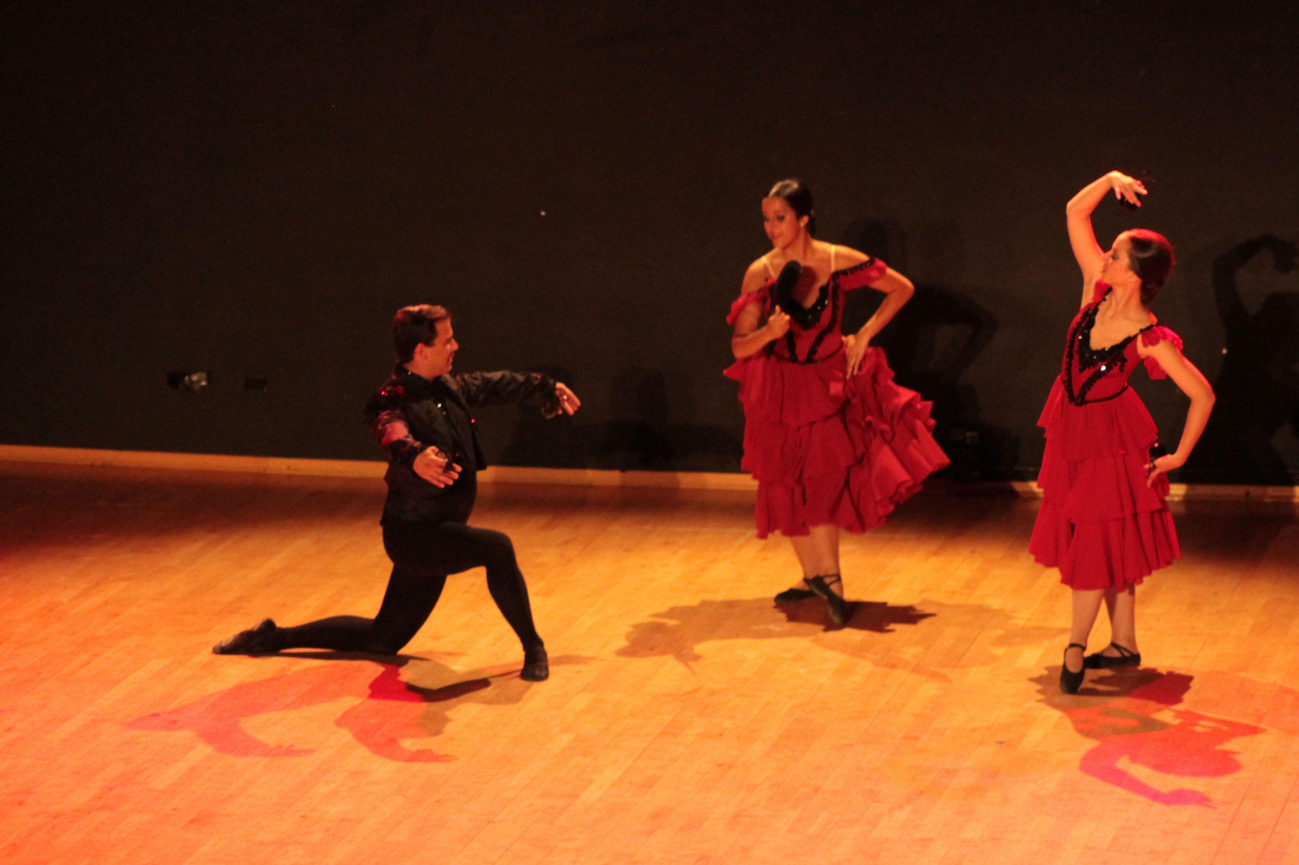 Foto 53 de Escuelas de música, danza e interpretación en Alcalá de Henares | Escuela de Danza Pepe Vento