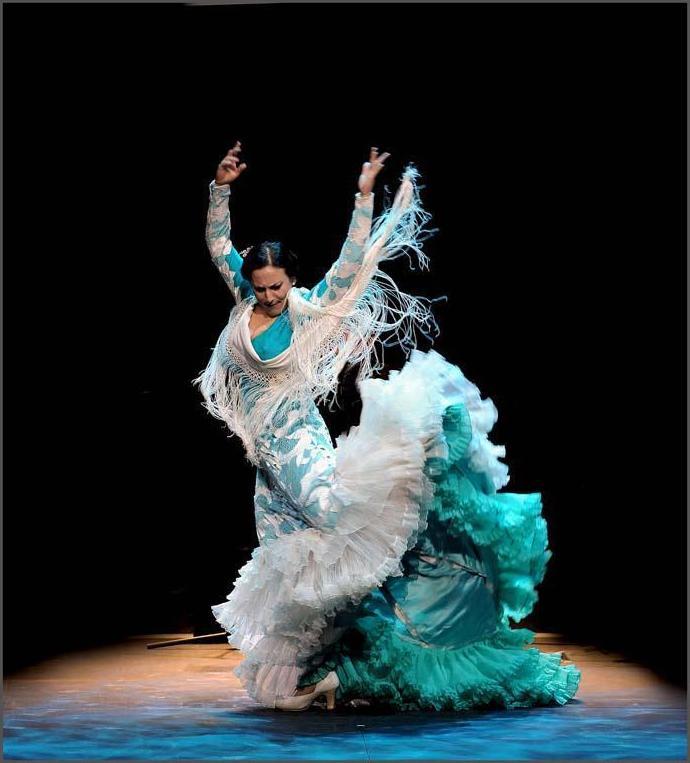 Bata de Cola: Clases de Escuela de Danza Pepe Vento