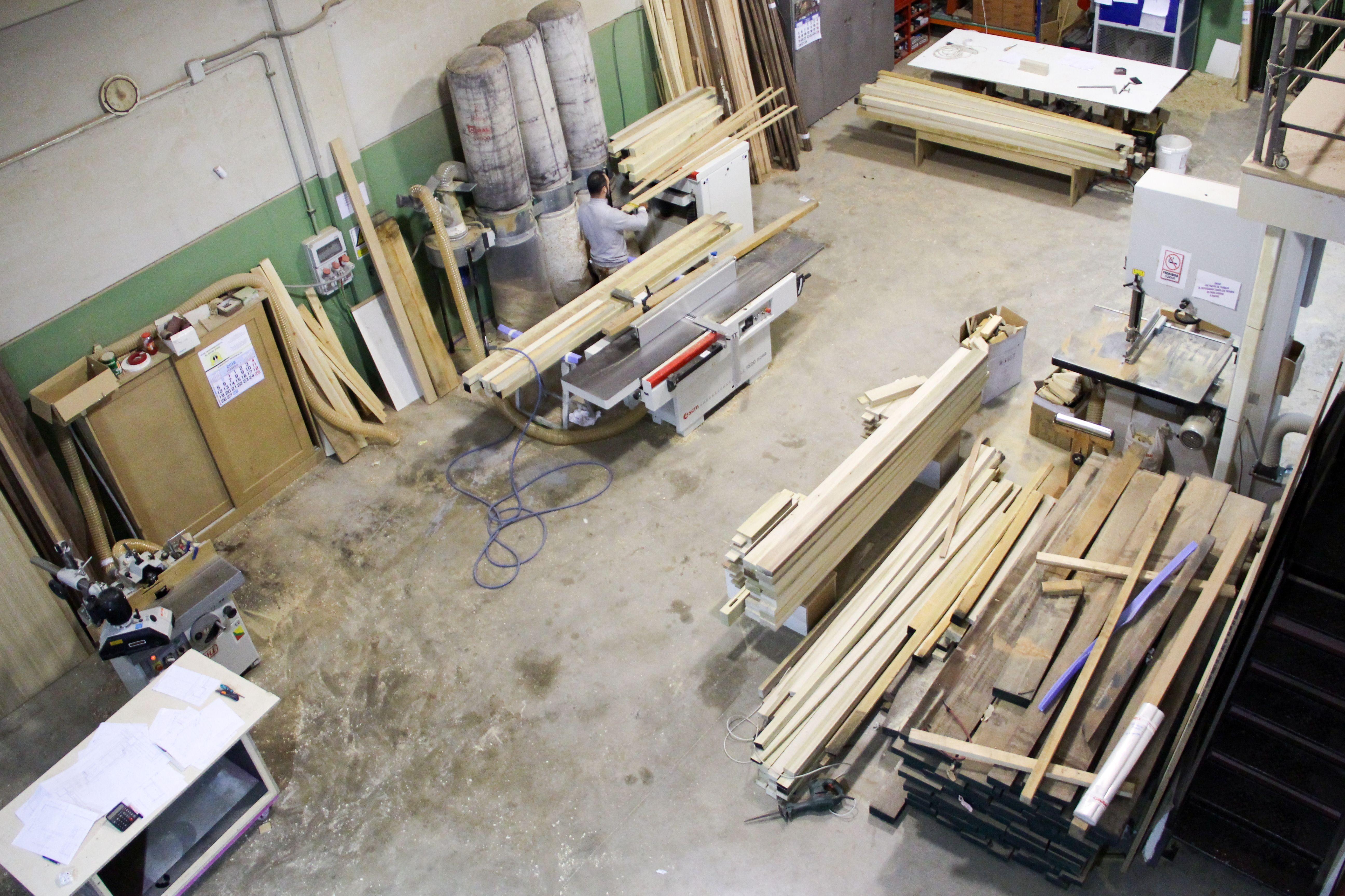 Corte de listones de madera