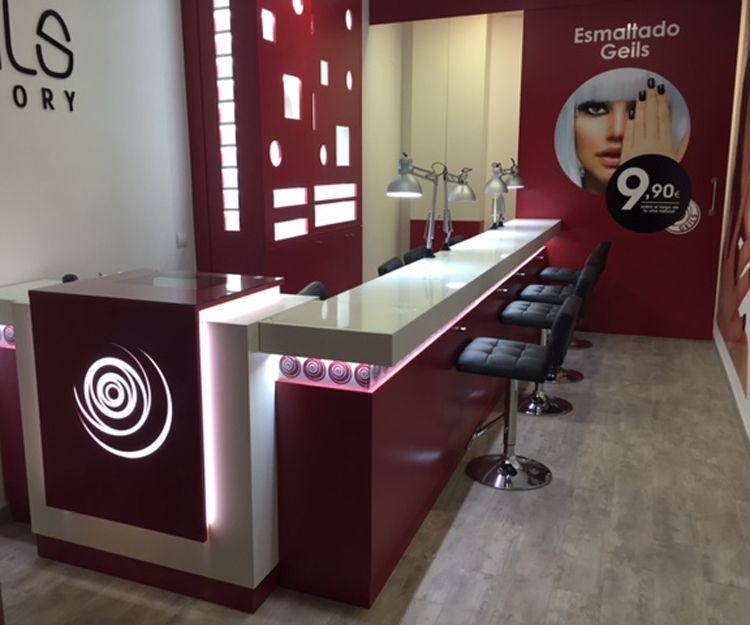 Fabricación de mostradores comerciales en Madrid