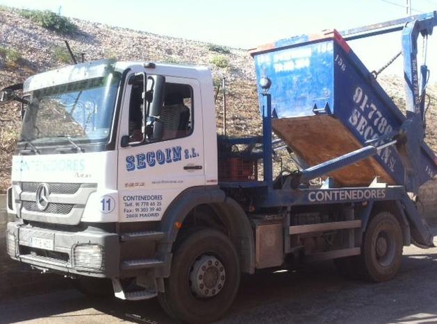 Camión para transporte de contenedores