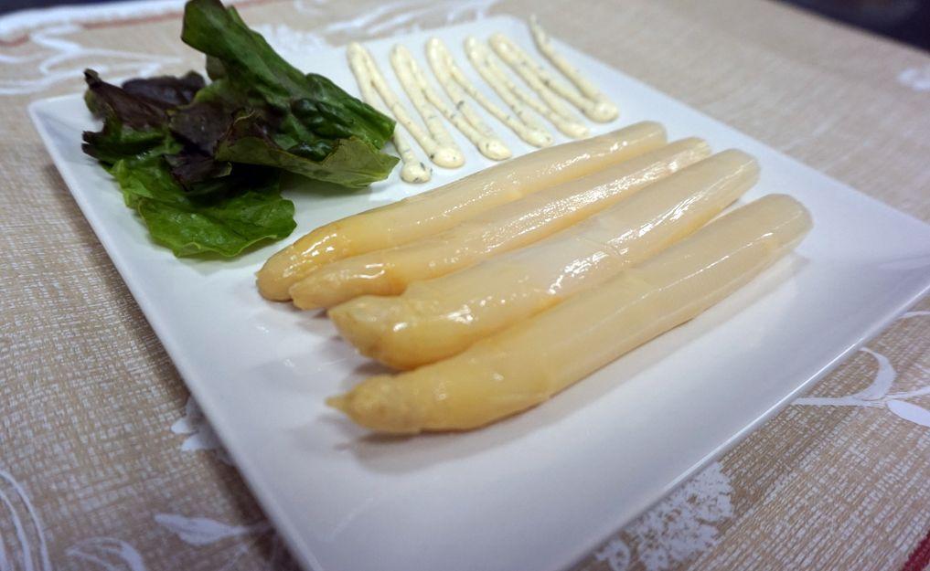 Espárragos extra con mayonesa