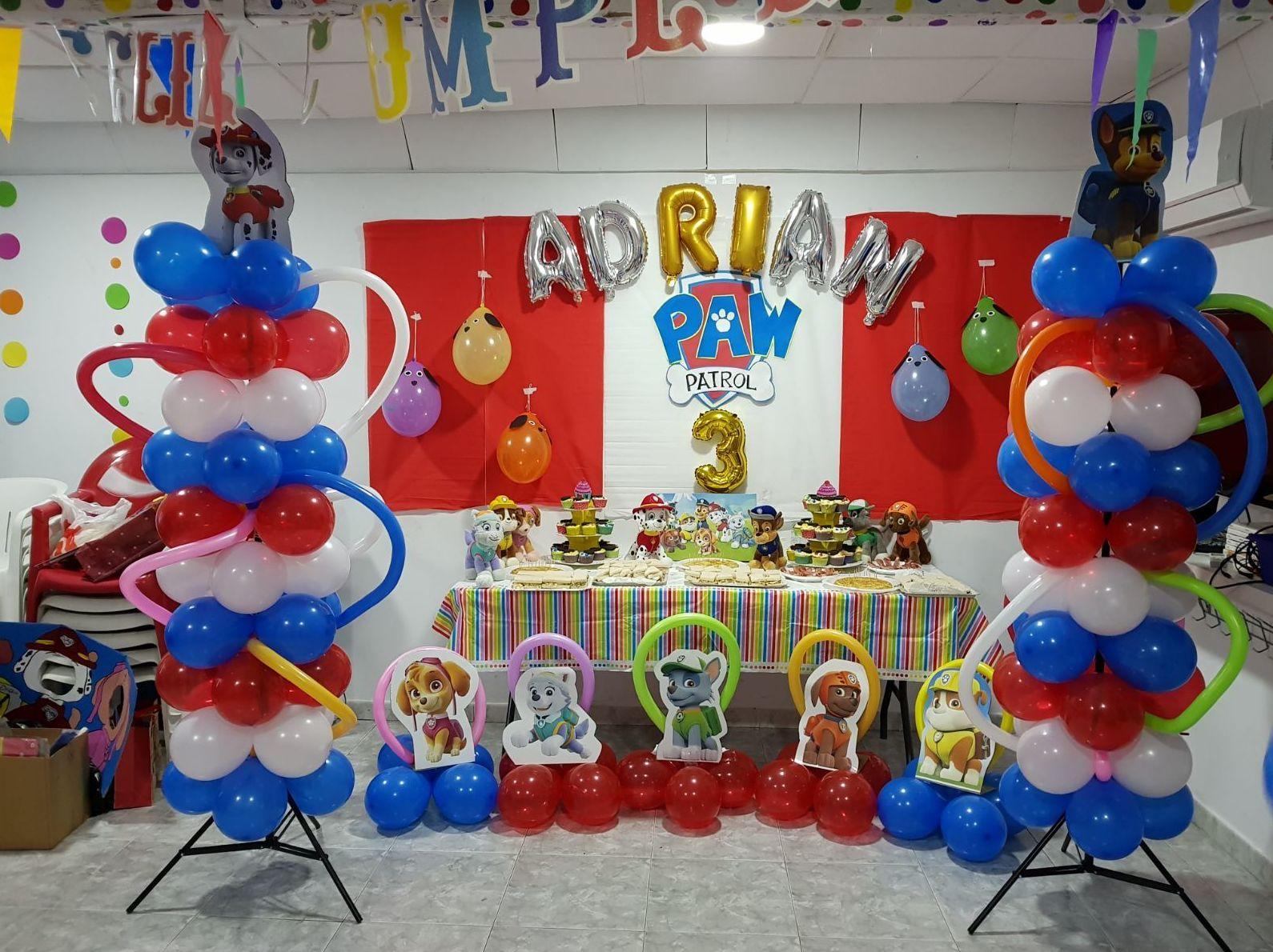 Preciosos adornos prepararon los papás de Adrián el viernes para su fiesta de cumpleaños. Lo pasamos genial muchas felicidades Adrián!