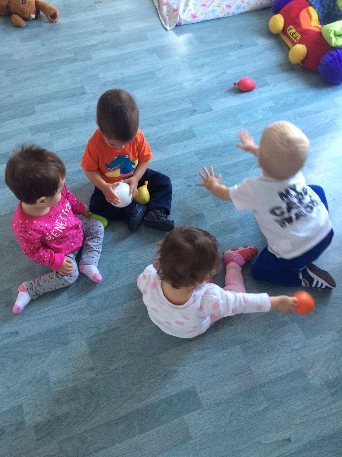 Hoy al cómomola de Torrejón de Ardoz....han venido de excursión los niños de la escuela infantil Pequepecas de Madrid y se lo han pasado a lo grande!