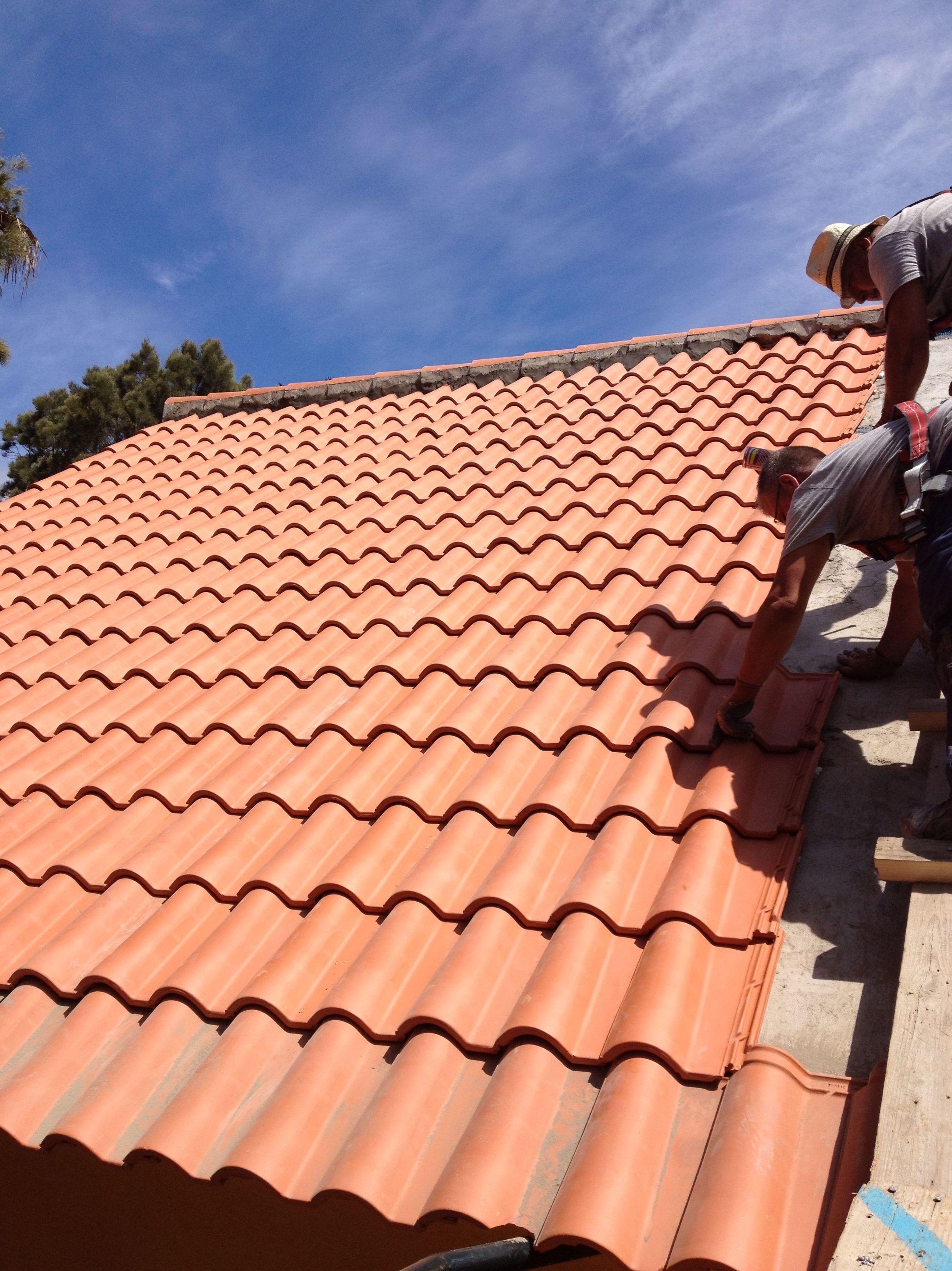 Rehabilitación de tejado. Impermeabilización y colocación de tejas. La Laguna. Santa Cruz de Tenerife