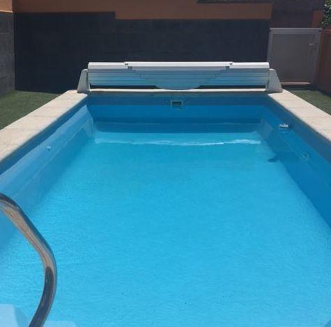 Instalación de piscina y colocación de césped artificial Santa Cruz de Tenerife