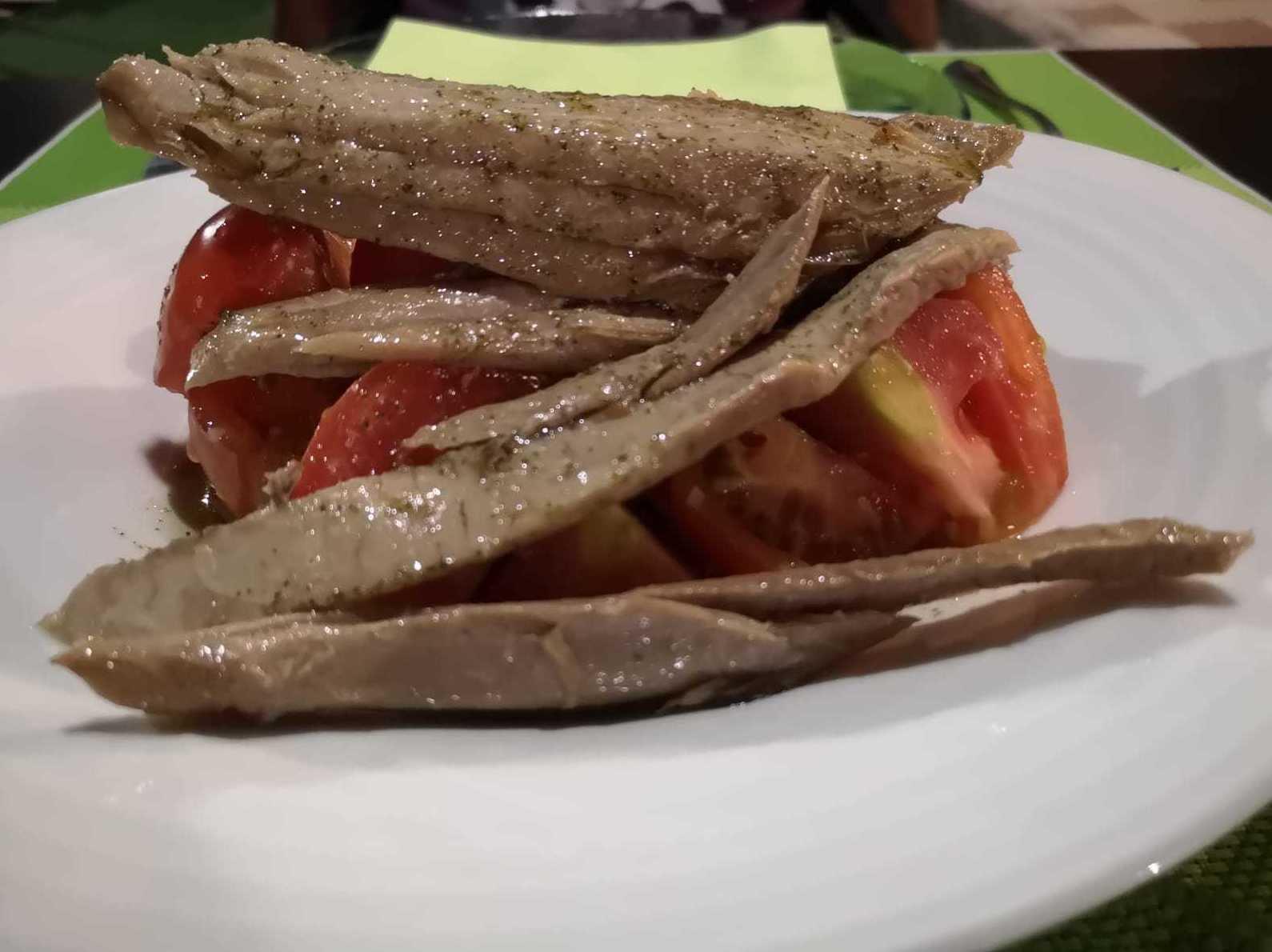 nido de tomate con ventrresca