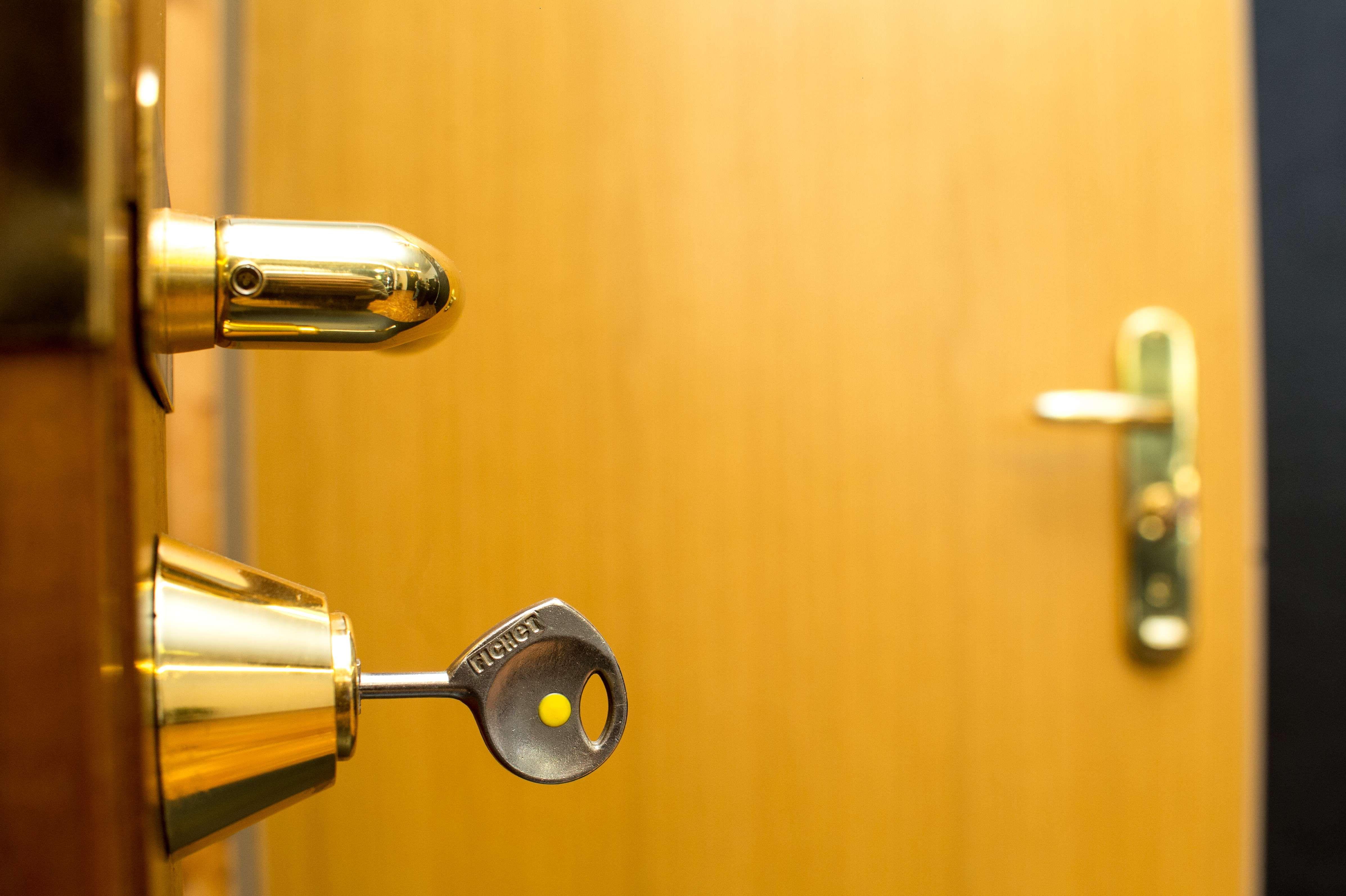 Urgencias de cerrajería y apertura de puertas en Navarra