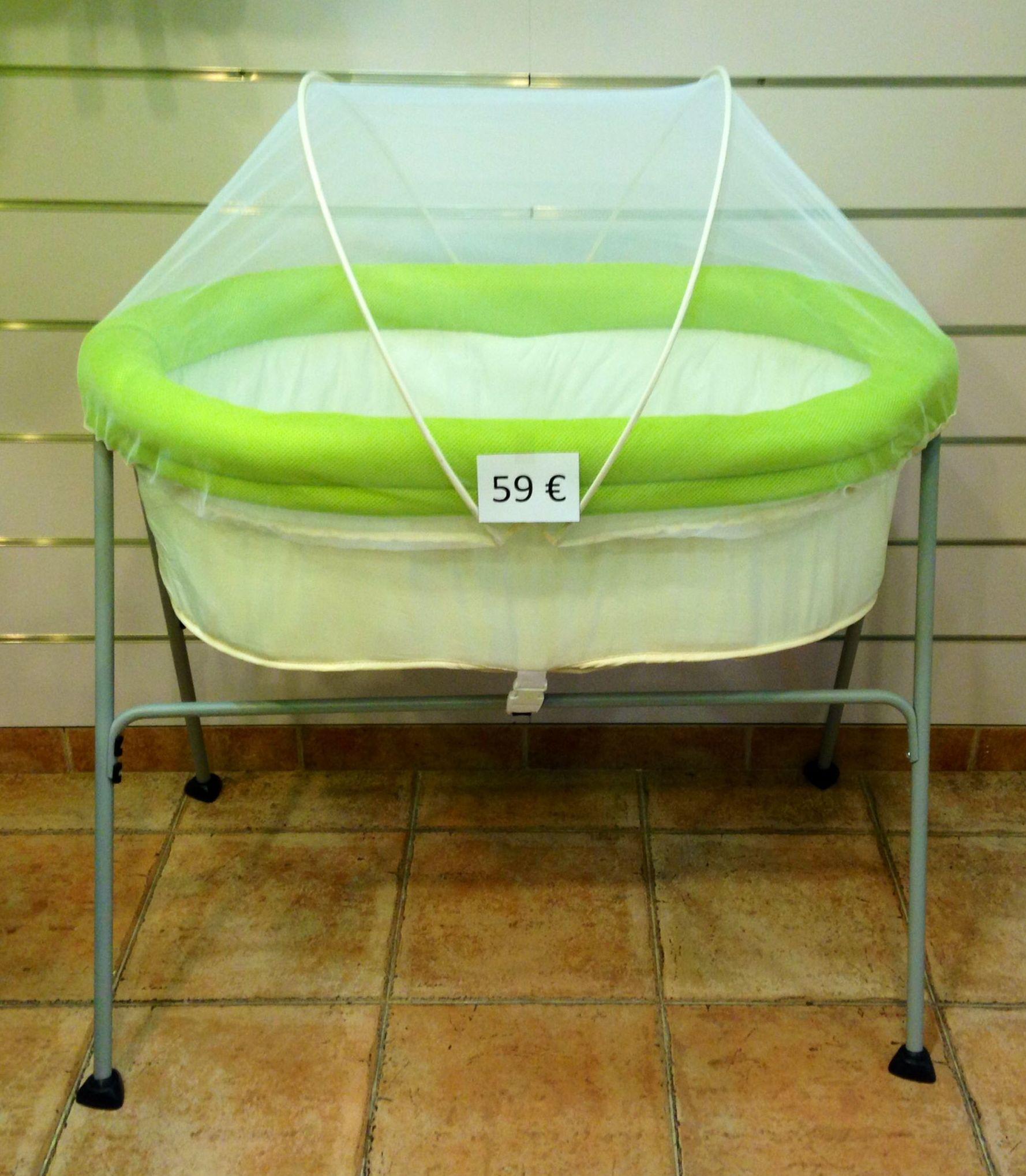 Minicuna balancín verde con mosquitera ¡sin estrenar por 59€!: Catálogo de Reciclababy