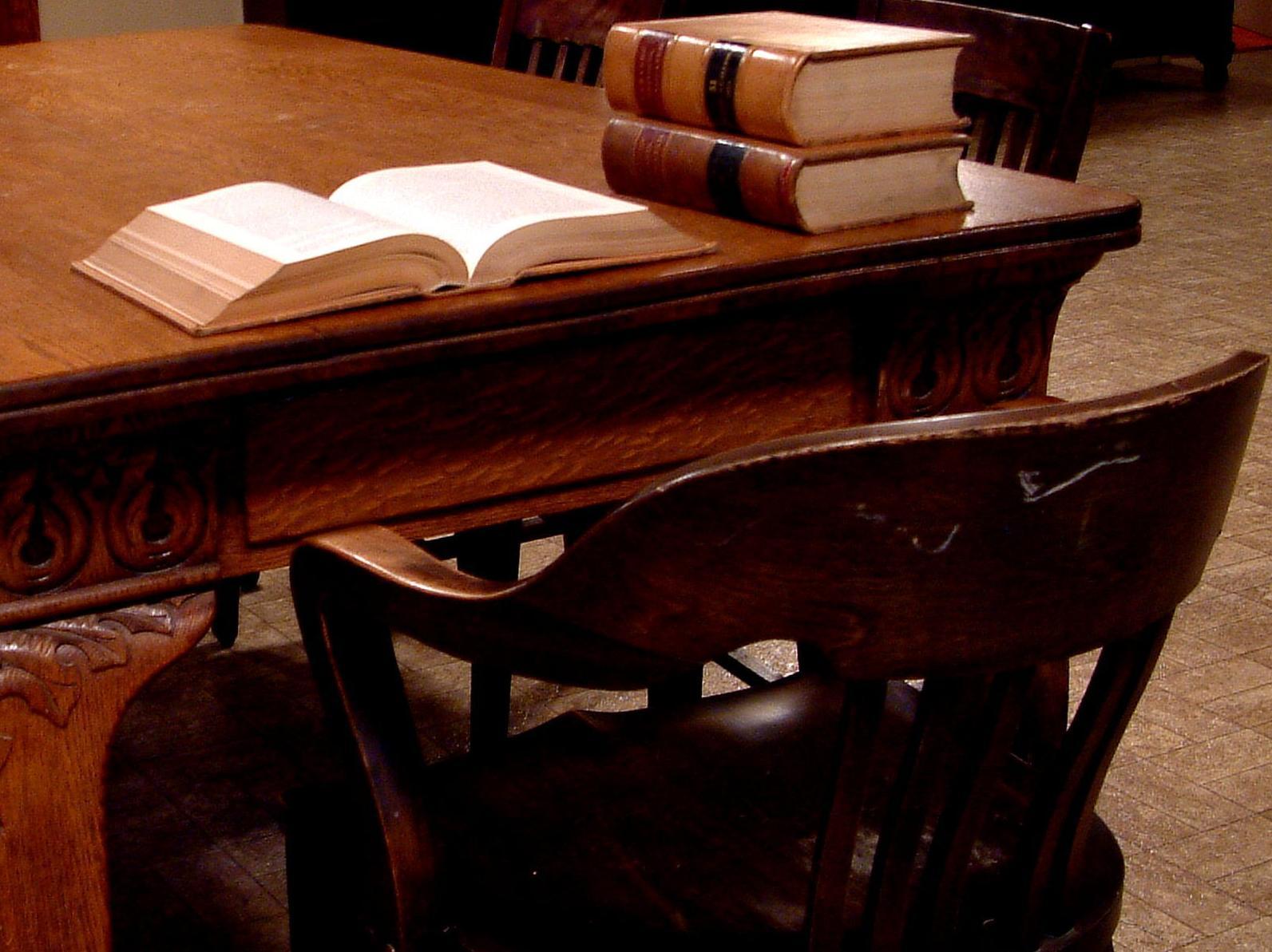 Laboral, civil, separaciones, divorcios, herencias, montes, vecinales, penal...