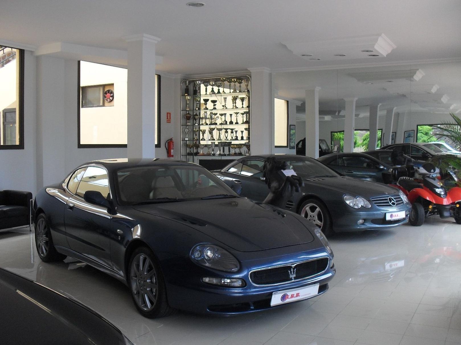 Concesionario de coches de alta gama