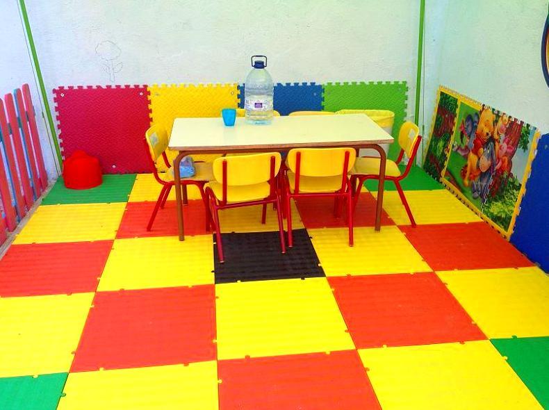 Suelos y losetas para guarderías y parques infantiles