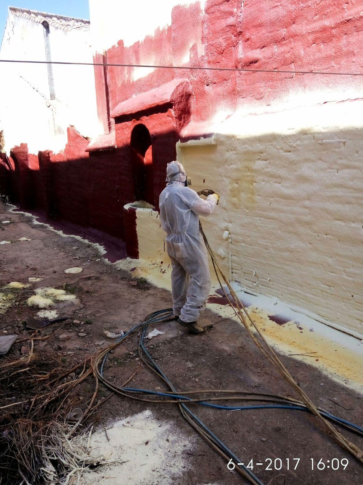 Aislamiento térmico en pared medianera para eliminar humedades
