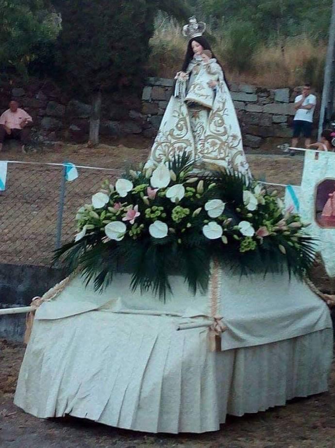 Foto 52 de Floristerías en    FLORISTERÍA JOMACO  Tanatorio As Burgas