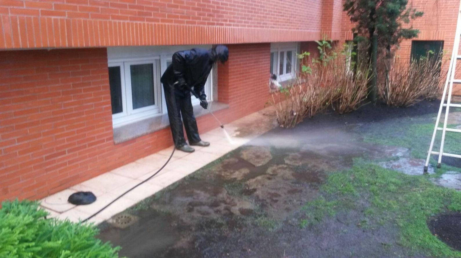 LImpìeza y conservación de jardines