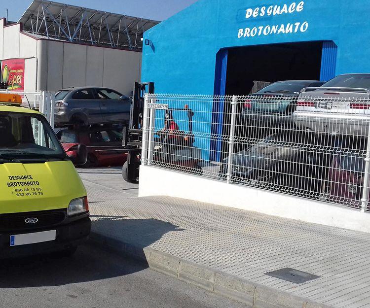 Taller de automóviles y desguace en Murcia