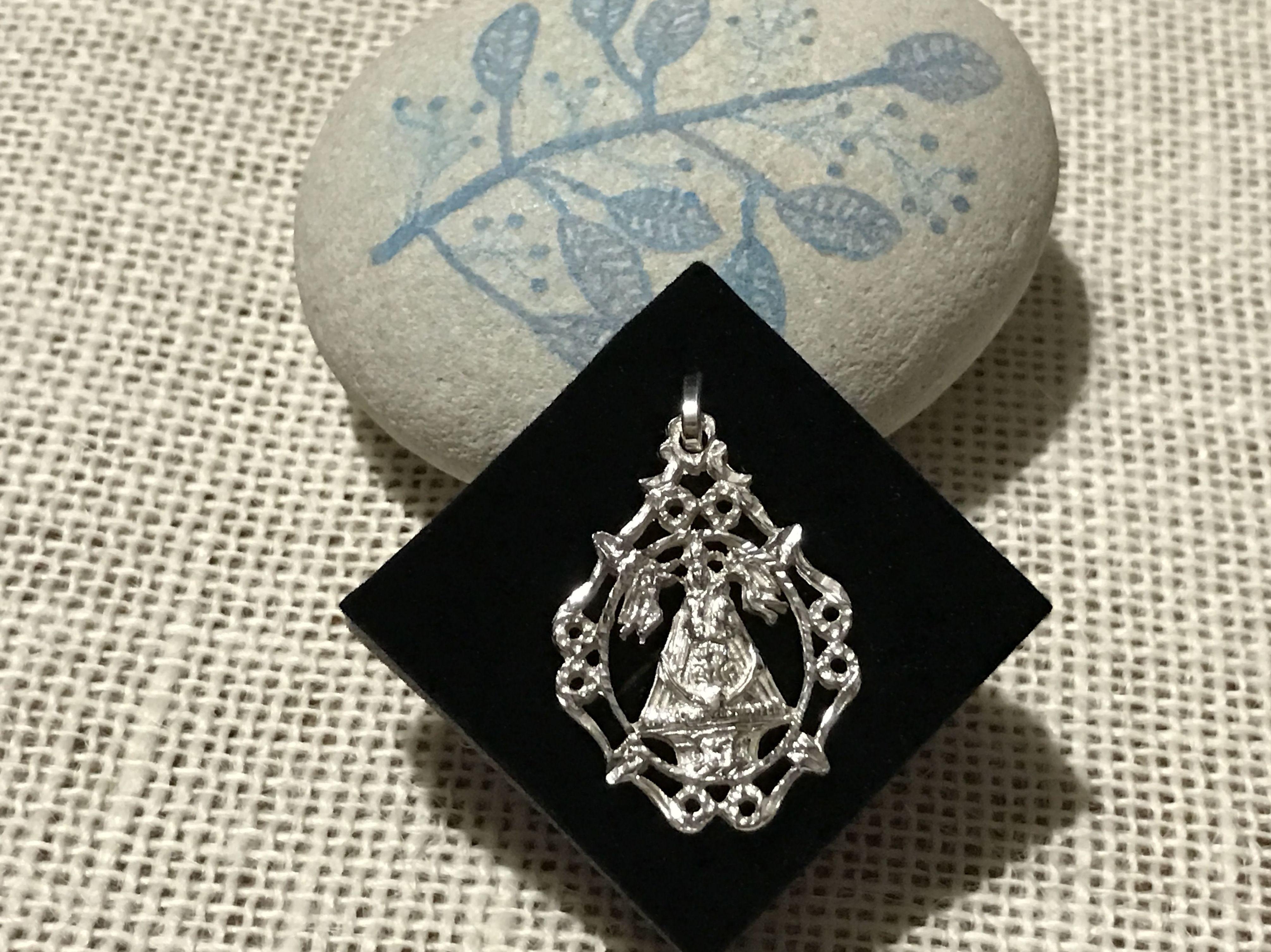 R/ 1010 Medalla Nuestra Señora de la Caridad: Productos y servicios de Mil990 Taller de Joyas Personalizadas