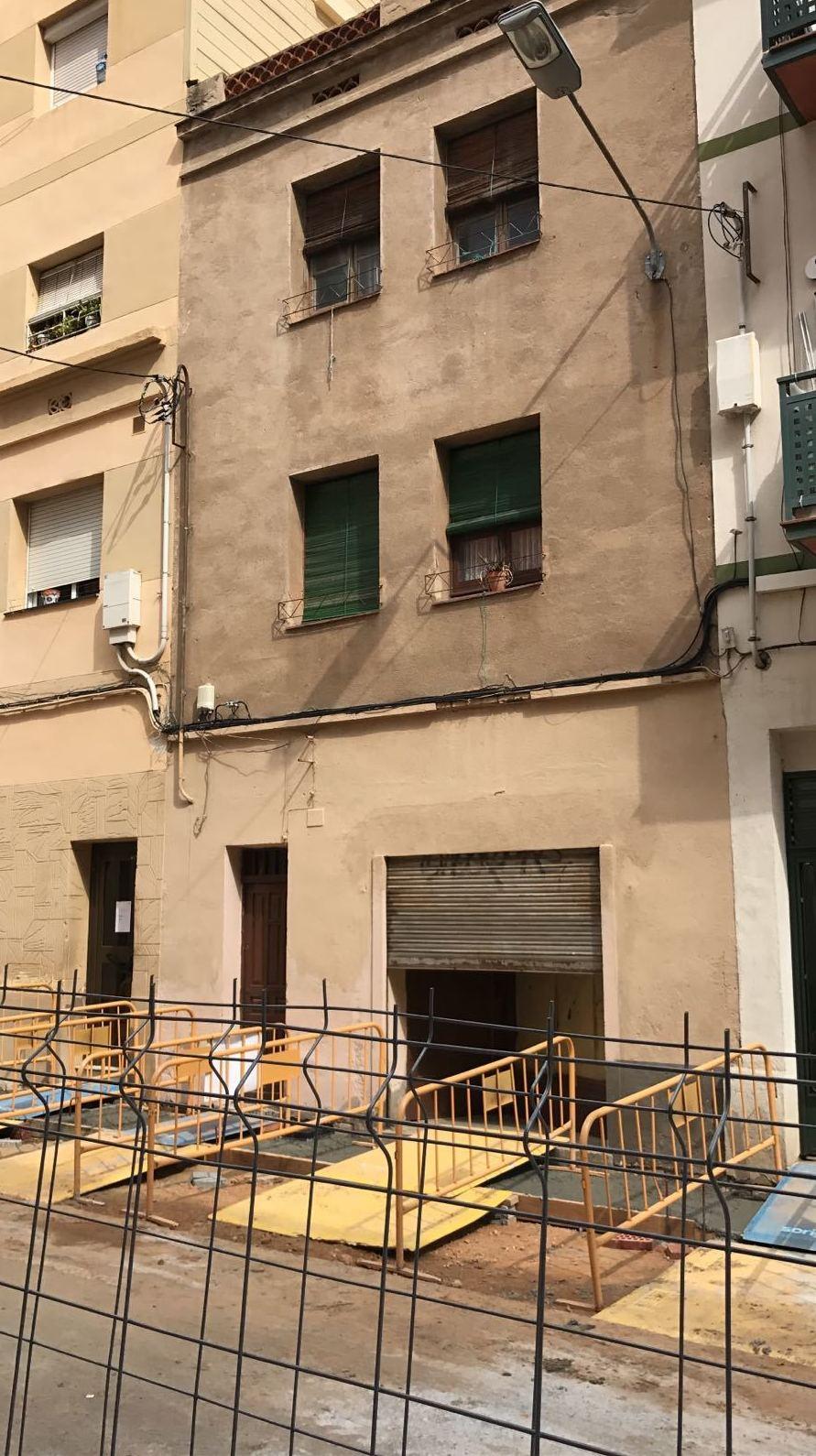 Edificio en venta en la zona de Collblanc (Hospitalet): Inmobiliaria de BCN Reit