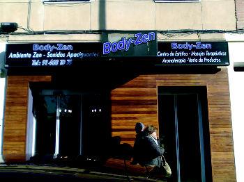 Foto 54 de Rotulación y señalización en Madrid | Rótulos luminosos Fabriluz Neón